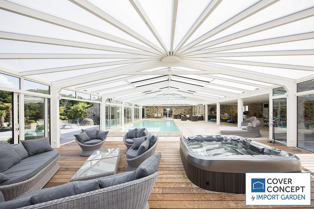 Un-espace-piscine-confortable-avec-Cover-Concept-2