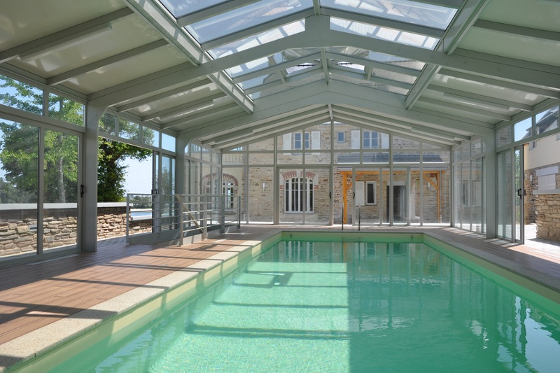 La véranda pour piscine : du soleil toute l'année