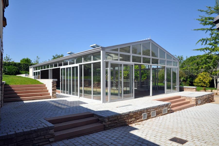 abri-piscine-veranda-nager-toute-l-annee_Import-Garden