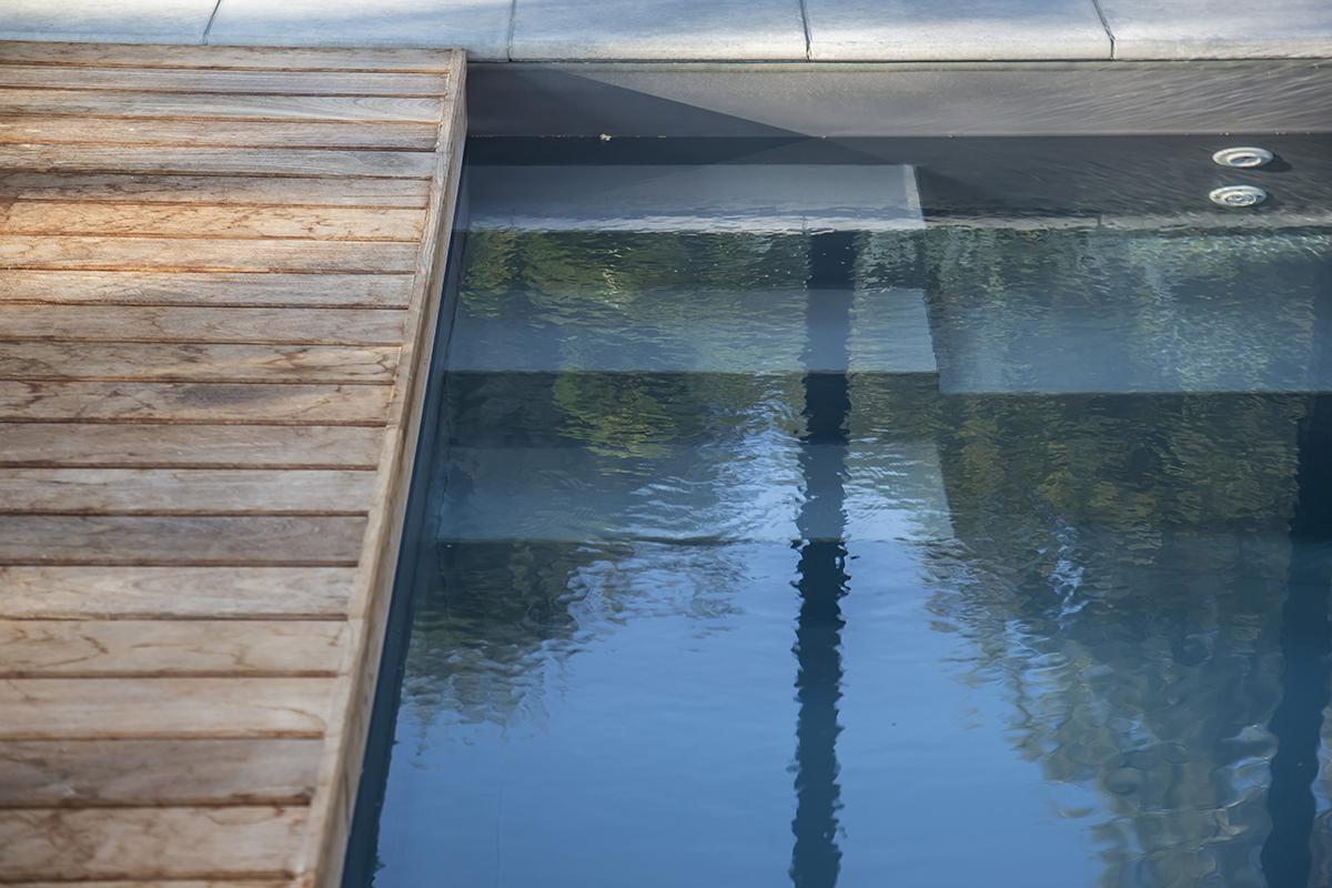 Bâche ou volet pour gérer le taux d'humidité de la piscine