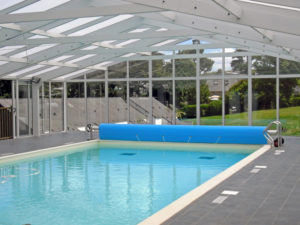 PISCINE VVF VILLAGES ST CAST SOUS VERANDA IMPORT GARDEN