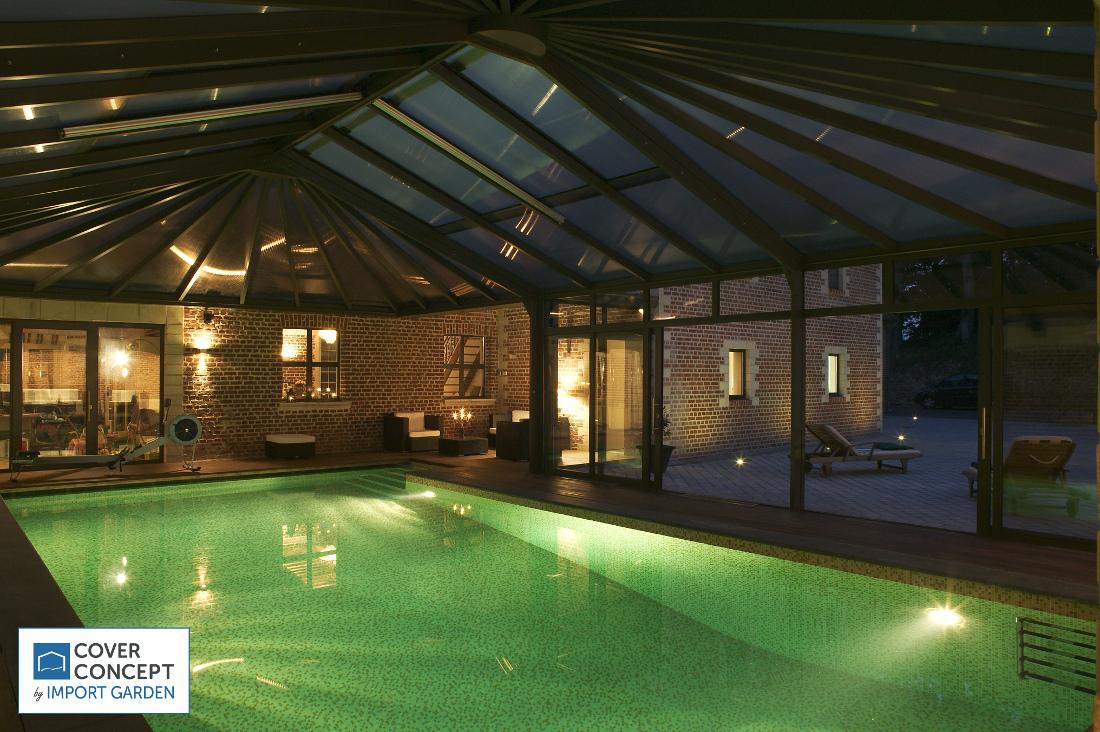 Une piscine sous véranda Cover Concept, chaleur et confort nuit et jour