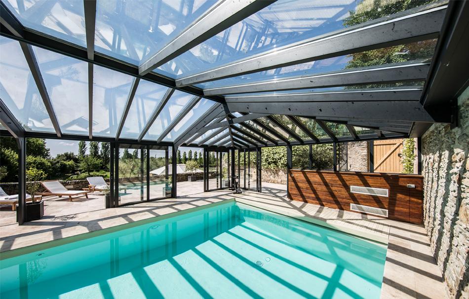Une v randa de luxe pour piscine un abri chic et sobre for Piscine design concept