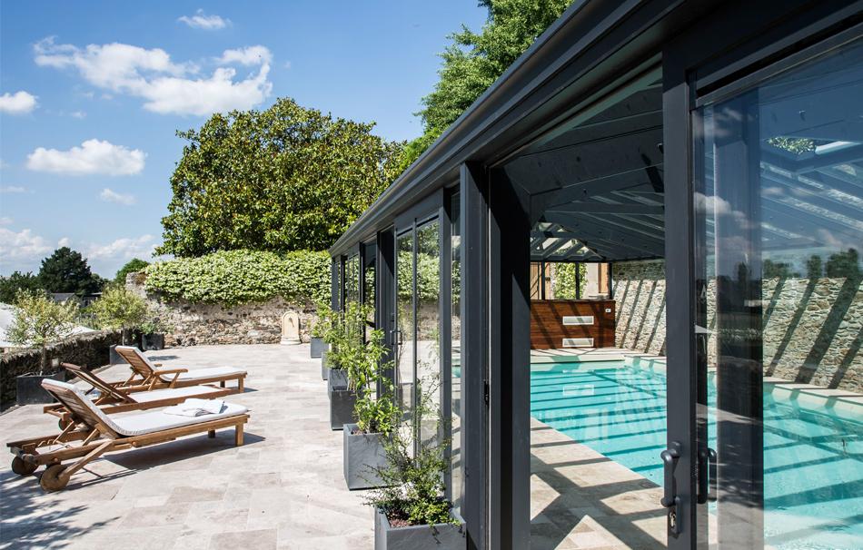 Véranda pour piscine en double vitrage