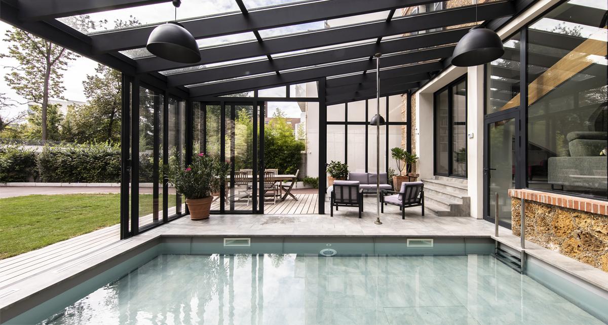 Véranda pour piscine : isolation thermique et acoustique