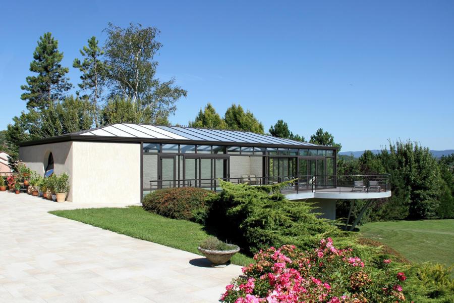 Véranda pour piscine aux Monts du Jura