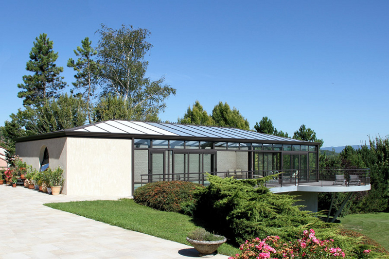 veranda-piscine-style-harmonieux-grand