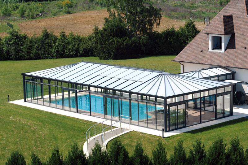 La piscine couverte : un plus pour une habitation