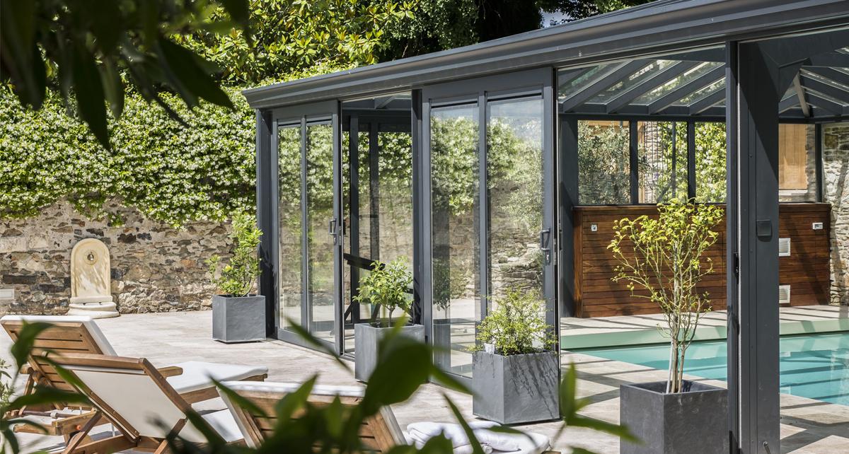 Véranda pour piscine en double vitrage en toiture