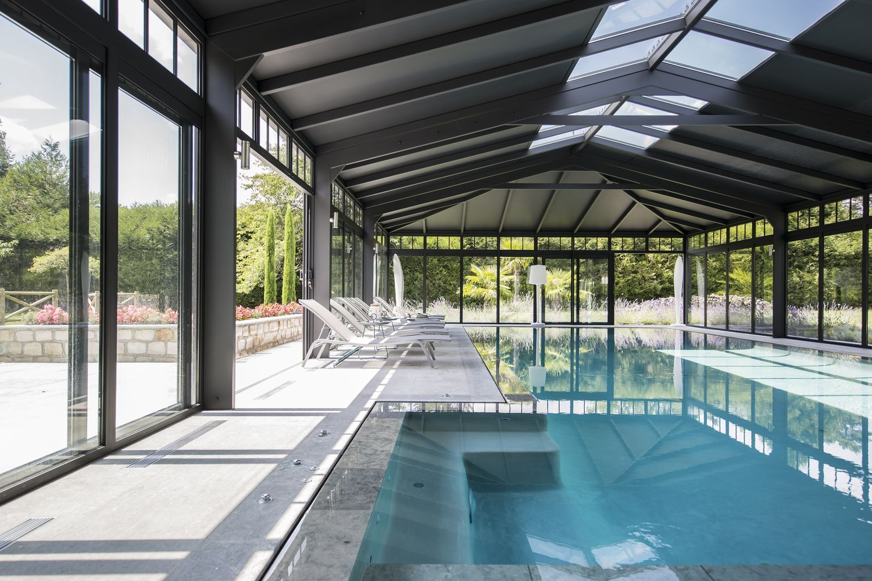 veranda-Cover-Concept-sur-piscine-miroir