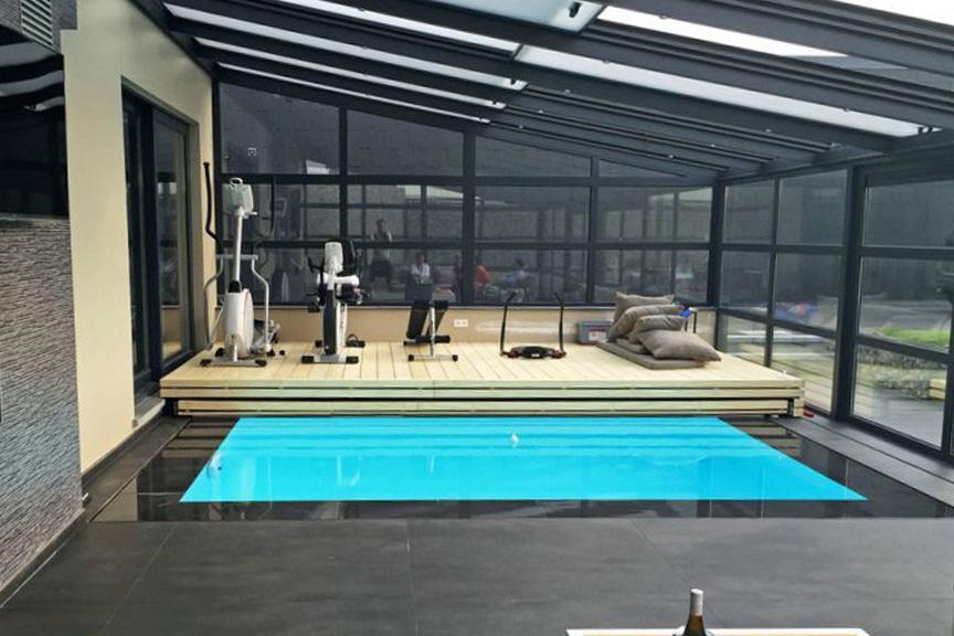 Véranda pour piscine accessible pour les terrains de toute taille