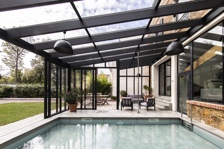 Véranda Cover Concept pour petit jardin de ville et mini piscine