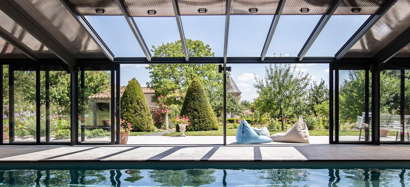 Véranda pour piscine avec toit ouvrant