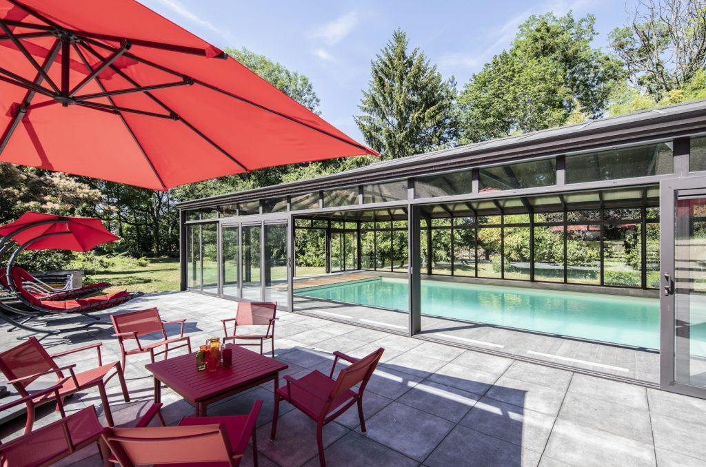 piscine-couverte-sous-veranda-devis