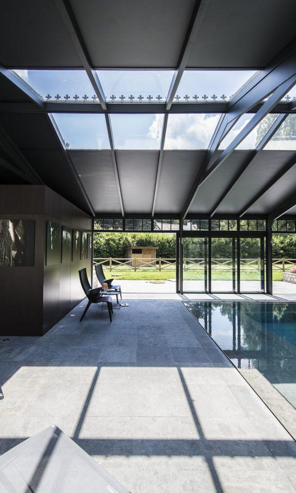 Véranda avec toiture isolante verrière et panneaux
