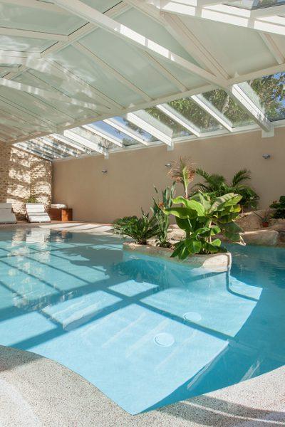 Prévoir la forme de votre piscine couverte
