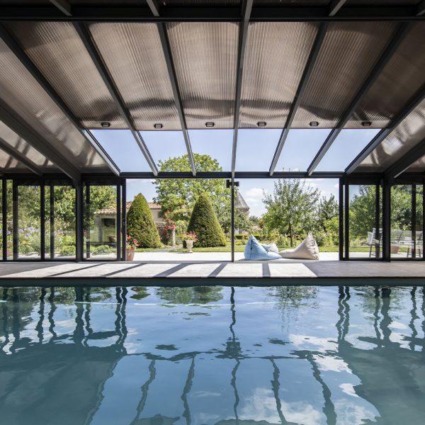 veranda-pergola-aluminium-Cover-Concept-pour-piscine